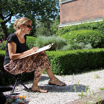 KZOD tekent naar model in Haarlemse Hofjes