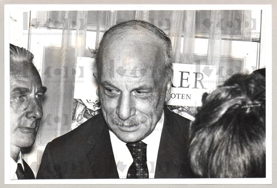 Kees Verweij genodigde opening expositie Piet van Egmond 75 jaar